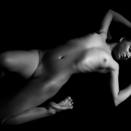 Body by István Decsi - Nudes & Boudoir Artistic Nude ( body, nude, low_key, woman, art )