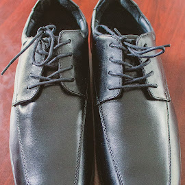 Shoes by Indra Iman - Wedding Details ( gentlemen, canon, shoes, formal, suit, photo, black )
