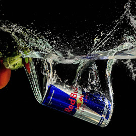 Red Bull by Stefan Stevanovic - Food & Drink Alcohol & Drinks ( studio, water, splash, drink, redbull,  )