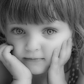Les beaux yeux by Nathalie Gemy - Babies & Children Child Portraits ( child, little girl, pretty kid, black and white, portrait )
