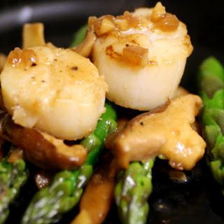 Scallops with Asparagus and Shiitake Mushrooms