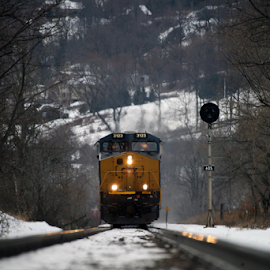 getting close by Alec Halstead - Transportation Trains (  )