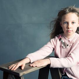 Jelena by Miodrag Stojanovic - Babies & Children Child Portraits ( fashion, yang, children, portrait, kid )
