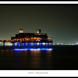 Pierchic - Dubai by Linda Casey - Buildings & Architecture Other Exteriors ( lights, dubai, nighttime, pier, night, glowing, night shot,  )