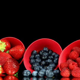 by Dipali S - Food & Drink Fruits & Vegetables ( blueberry, raspberry, fresh, color, fruits, antioxidant, strawberry, berries )