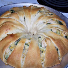 Baked Spinach Artichoke Chicken Ring