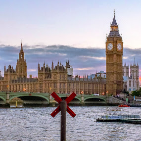 big ben London by Gareth Fleming - City,  Street & Park  Skylines ( #bigben #london #water #sky #boats #england )