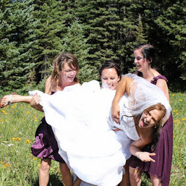 Picking-Up by Peyton Ayers - Wedding Groups