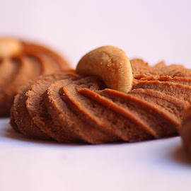 Yum .. Yum by Deepa Sarathy - Food & Drink Cooking & Baking ( cookie, macro, nuts, biscuit, cashew, crispy )