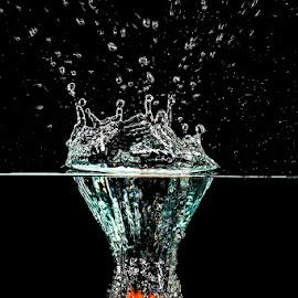 Orange Drop in Water by Ryan Morris - Abstract Water Drops & Splashes ( water, orange, fruit, splash, hi speed, fruit drop in water object water, water drop,  )