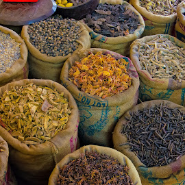 Spice Market Cochin by Russ Hanson-Coles - Food & Drink Ingredients ( #curry, #market, #spices, #flavours, #cochin )