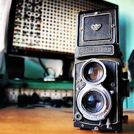 by Vighnesh Chendwankar - Artistic Objects Antiques ( rolleicord, vintage, old, camera, rollei, tlr, 1962, Vb, 75mm,  )