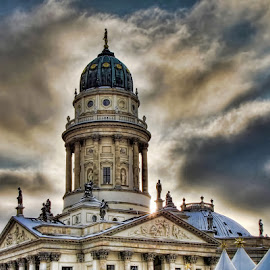 Sunrise in Berlin by Leonardo Cremona - Buildings & Architecture Public & Historical ( europe, hdr, snow, christmas, germany, winnter, sunrise, berlin, curch, sun,  )