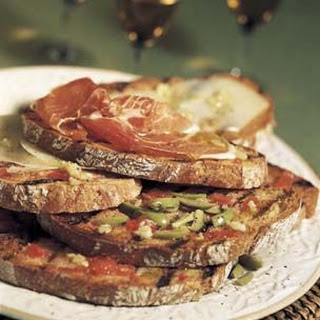Grilled Bread with Ripe Tomatoes and Olive Oil