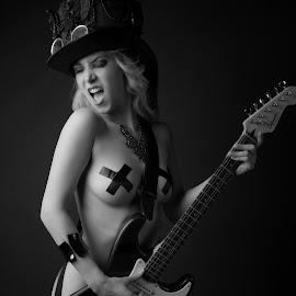 Hommage to Slash by Tomas Fensterseifer - Nudes & Boudoir Artistic Nude ( black and white, zylinder, rock, guitar )