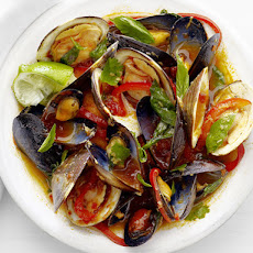 Clams and Mussels in Thai Curry Sauce