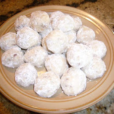 Buttery Mexican Wedding Cookies