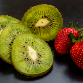 Kiwi & strawberry by Anand Somasundaram - Food & Drink Fruits & Vegetables
