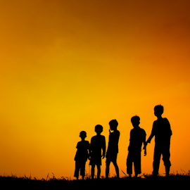 sahabatku by Djeff Act - Babies & Children Children Candids ( djeffact, silhouette, sunset, children, people )