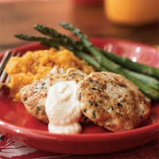 Spicy Chicken Cakes with Horseradish Aioli