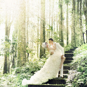 Green Woods by Criz Kimbal - Wedding Bride & Groom