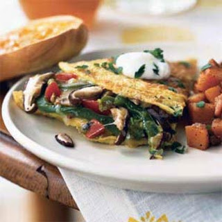 Mushroom and Bell Pepper Omelet with Fontina