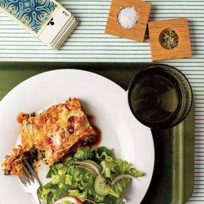 Slow-Cooker Spinach and Ricotta Lasagna With Romaine Salad