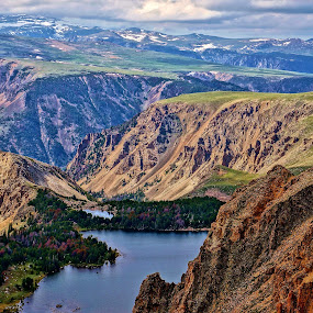 Beartooth Mountains by Jim Czech - Landscapes Mountains & Hills ( mountains, cliffs, mountain, mountain lake, wyoming, beartooth mountains, rocks, ledges )