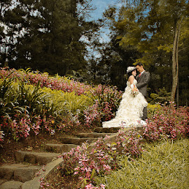 Love on Stairs by Yusdianto Wibowo - Wedding Bride & Groom ( prewedding, wedding, bride, groom,  )