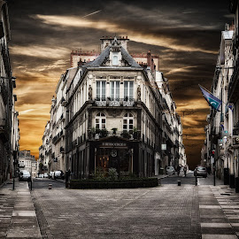 Nantes (France) by Paul Chamberland - Buildings & Architecture Office Buildings & Hotels ( golden hour, sunset, sunrise )