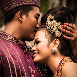 Iam is Your's...  by Ahmad Syamsuddin - Wedding Bride & Groom