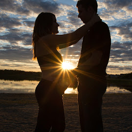 Highlighted pregnancy by Andy Perron - People Couples ( maternity, silhouette, sunset, pregnancy, couple, beach )