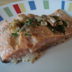 Salmon Fillets Bathed in Garlic