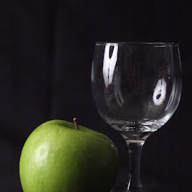Apple empty wine by Pablo Barilari - Food & Drink Fruits & Vegetables ( cup, apple, glass )