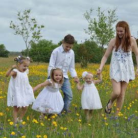 A Spring Walk by Donna Cole - Babies & Children Child Portraits ( cacnmao@gmail.com, cass12@hotmail.com, destiny.olson@victoriacollege.edu, drcole705@yahoo.com, quick8_98@ymail.com,  )