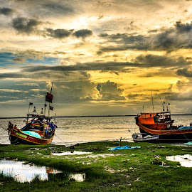 Golder Hour by Avik Sarkar - Landscapes Waterscapes ( canon600d, west bengal, riverside, sunset, diamond harbour, india, avik sarkar, hoogly river )