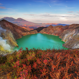Ijen Crater The Wonder by Budi Astawa - Landscapes Travel ( banyuwangi, mountain, acid, acid lake, indonesia, east java, ijen, mount ijen, lake )