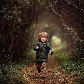 Run by Claire Conybeare - Chinchilla Photography - Babies & Children Toddlers