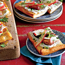 Chicken-Apple Sausage Flatbread