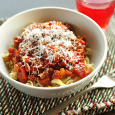 Quick Weeknight Tomato Sauce with Pasta