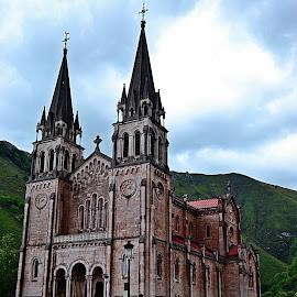 Covadonga by Lidia Noemi - Buildings & Architecture Places of Worship ( iglesia, covadonga, asturias, turismo, cantabria,  )