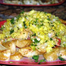 Seared Scallops with Spicy Fruit Salsa