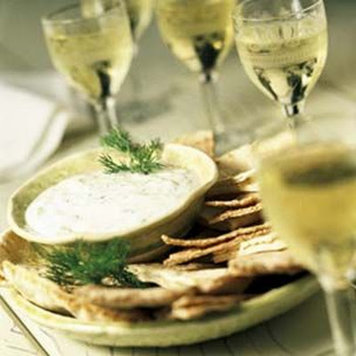 Yogurt Dip with Garlic, Mint and Dill