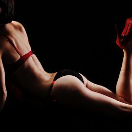 Curves by Vineet Johri - Nudes & Boudoir Boudoir ( vkumar, sexy, girl, boudoir, loren, curves )