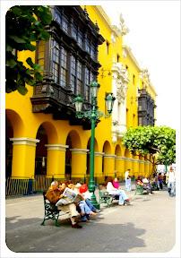 approach to plaza de mayoror