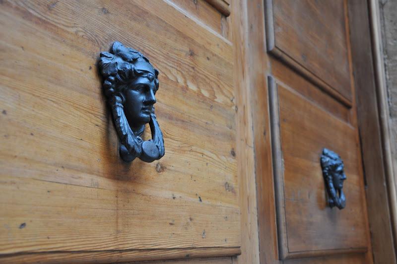 Входная дверь. Гранада