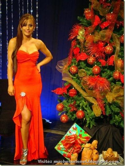 Larissa Riquelme-18