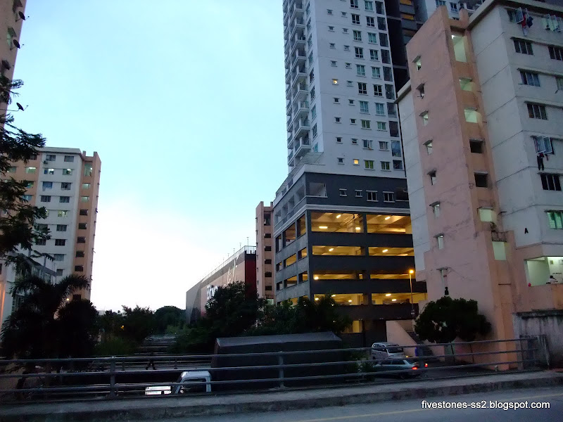 SS2 Mall, Ken 3 Damansara and the low-cost flats within walking distance