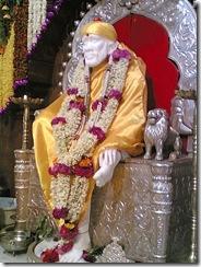 Sai_Baba_Samadhi_idol_murti