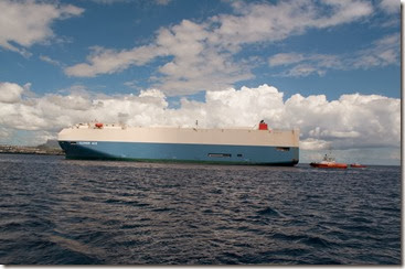This huge Ro-Ro almost split Port Louis in two